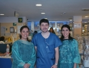 Francisco Javier de la Morena con Madeleine Páves y Pauline Montero, en una visita para conocer los protocolos de lactancia materna y el innovador proyecto de Banco de Leche del Hospital Regional UNiversitario de Málaga