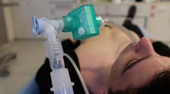 El papel de las bujías para garantizar intubaciones seguras en tiempos de COVID-19
