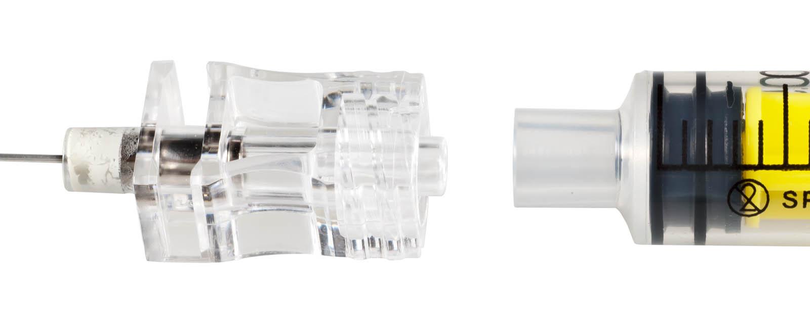Comparativa entre las agujas espinales más utilizadas: capacidad de deformar y resistir la deformación